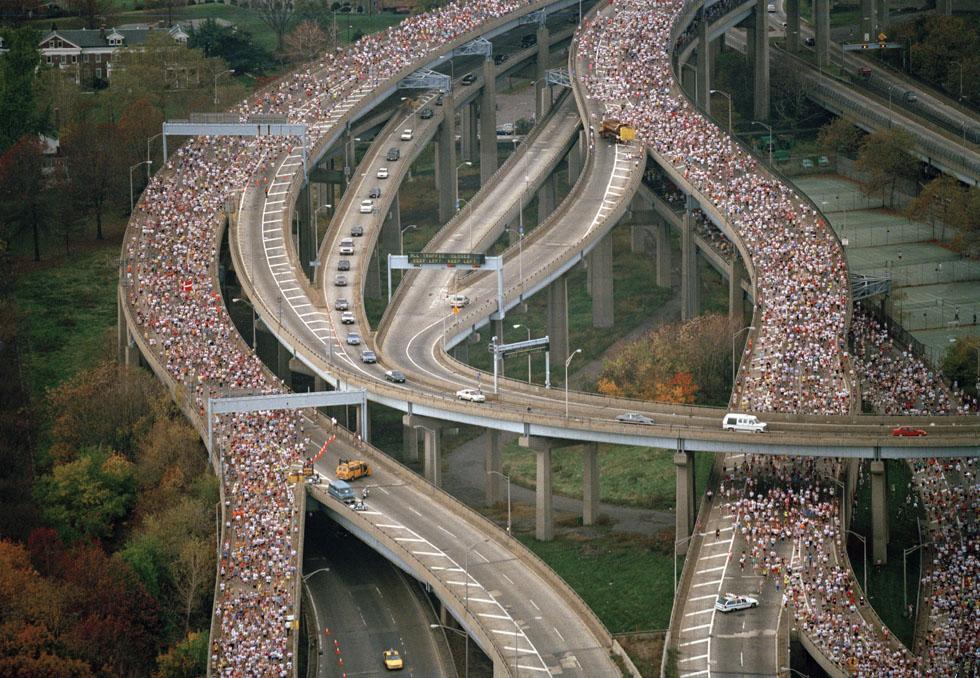 6 NOV 1994: THE START OF THE 25TH NEW YORK MARATHON FROM STATEN ISLAND, NEW YORK. Mandatory Credit: Simon Bruty/ALLSPORT